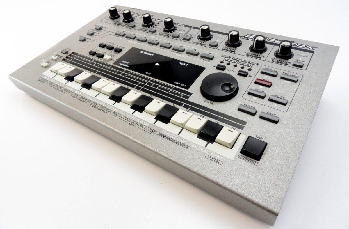 roland-mc-303-1