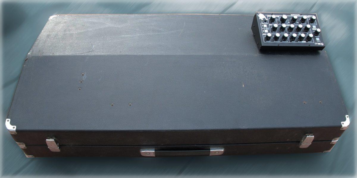 Yamaha CS50 im Koffer