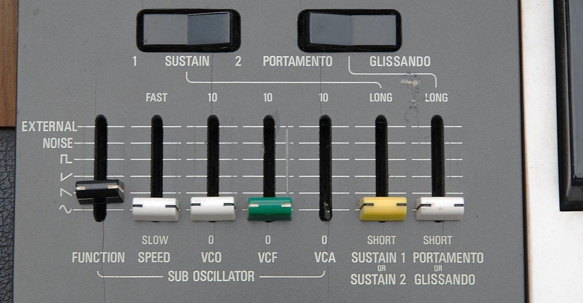 Yamaha CS50 Controller