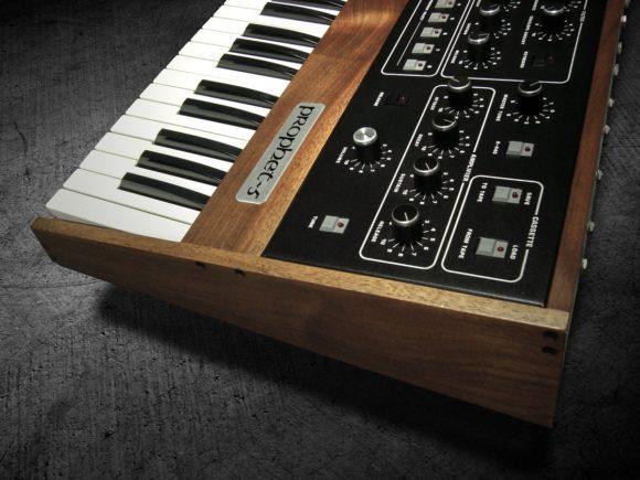 Alles über den Synthesizer Prophet 5 von Sequential