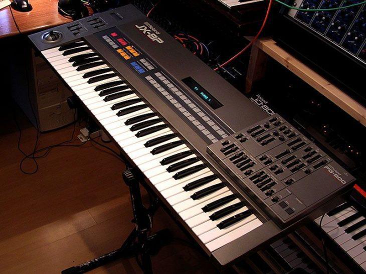 Roland JX-8P mit Controller PG-800