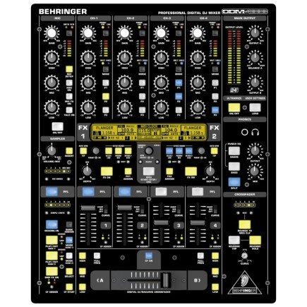 Erster digitaler DJ-Mixer von Behringer, der DDM4000.