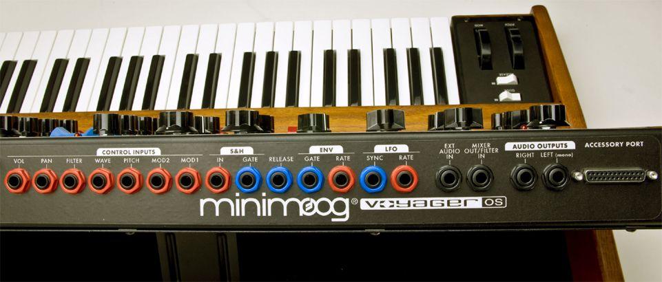 Test: Moog Minimoog Voyager Old School Analogsynthesizer