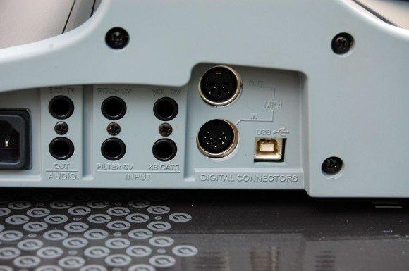 Moog geht mit der Zeit und präsentiert USB