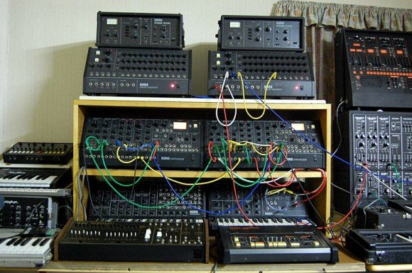 report analog gallery synthesizer museum. Black Bedroom Furniture Sets. Home Design Ideas