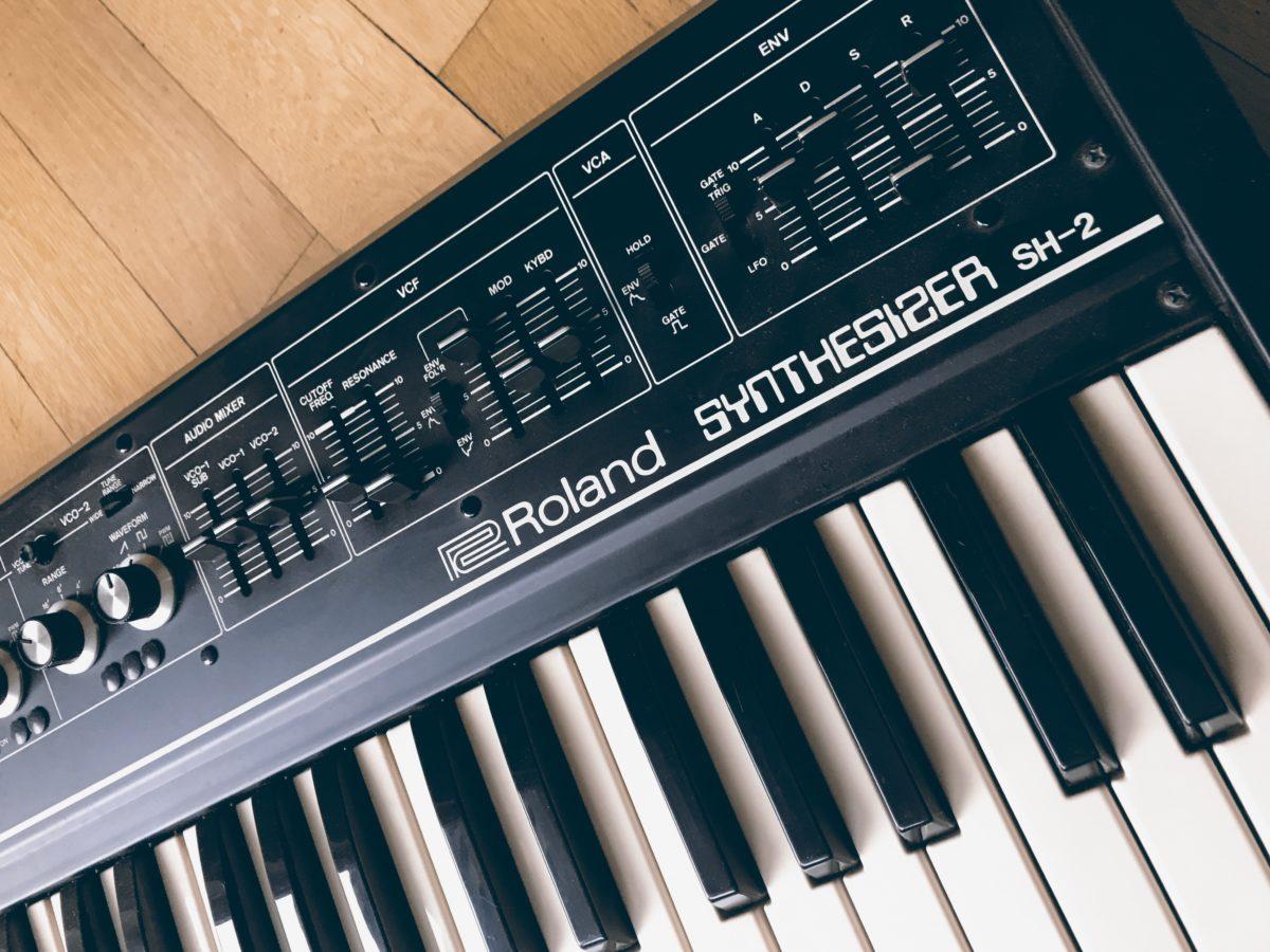 Roland SH-2 D