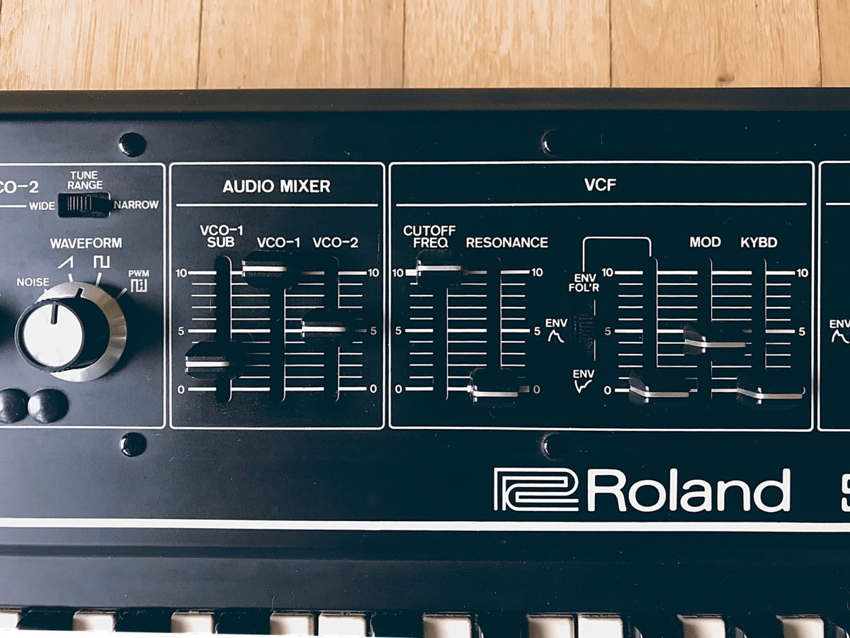 Roland SH-2 J