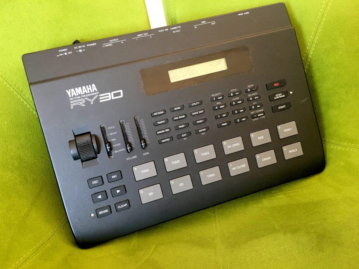 Yamaha RY-30 1