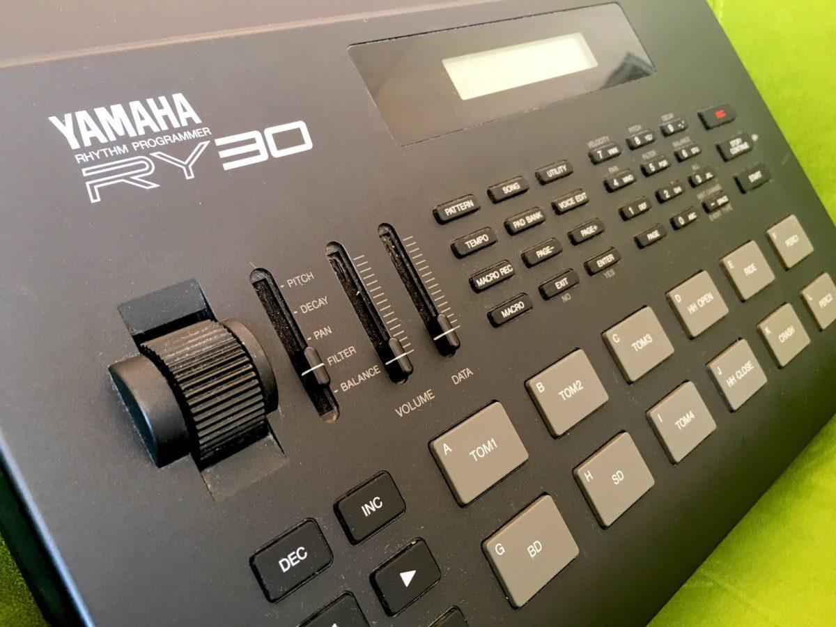 Yamaha RY-30 2