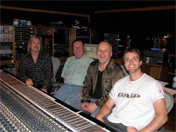 Das Hollywood Strings Production-Team (L-R): Doug Rogers, Shawn Murphy, Nick Phoenix, Thomas Bergersen