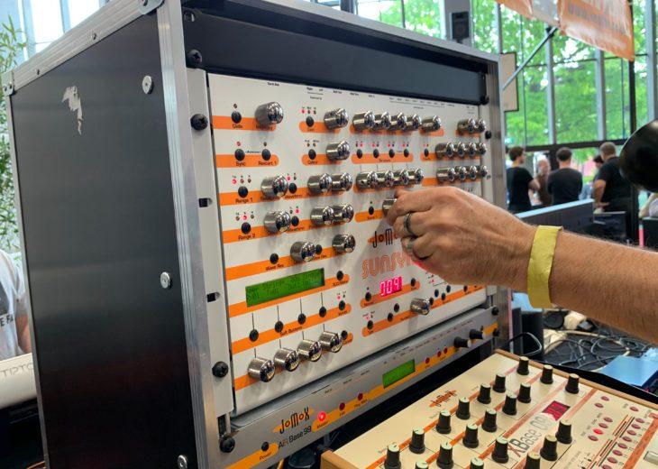 Jomox Sunsyn Analogsynthesizer