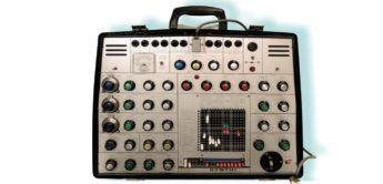 Blue Box: EMS VCS3, EMS Synthi AKS Analog-Synthesizer