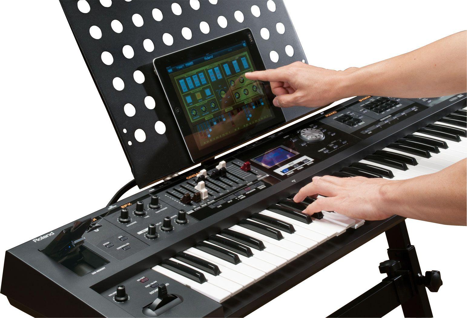 top news roland v combo vr 09 rd 64 performance keyboard digital piano. Black Bedroom Furniture Sets. Home Design Ideas