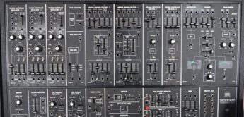 Blue Box: Roland System 700, Modularsynthesizer (1976)