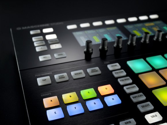 NI_Maschine_Studio_Detail_02