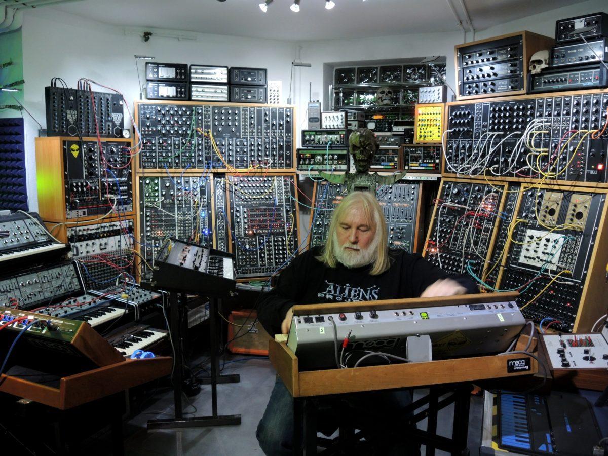 Alien-Studio 2014-03