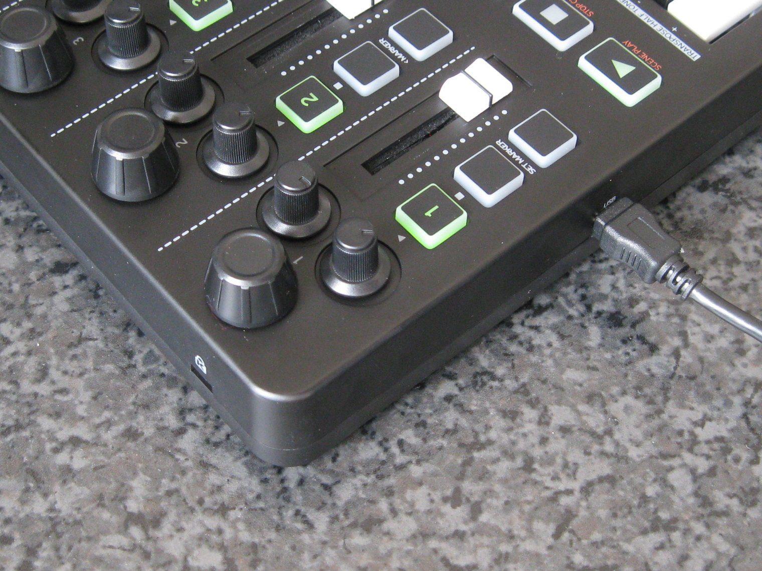 Test: Reloop Keyfadr, Controllerkeyboard - AMAZONA.de