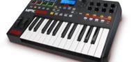 Das MPK225 besitzt nut 25 Tasten und eine etwas spärlichere Ausstattung.