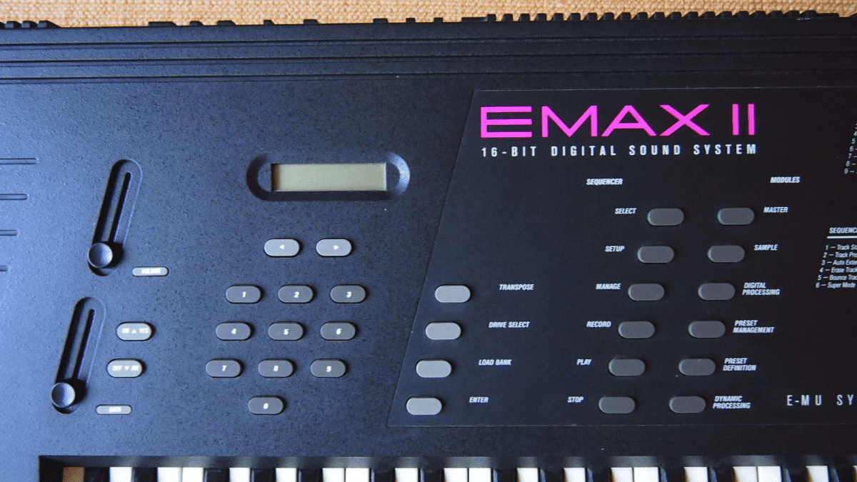 EMAX II Mitte