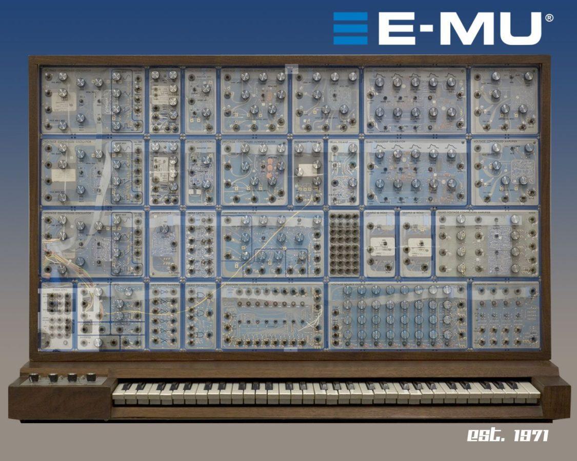 Ein Traum von einem Modularsystem mit Potis aus Aluminium. Das E-Mu System, hier in einer Sonderanfertigung mit transparenten Abdeckungen.