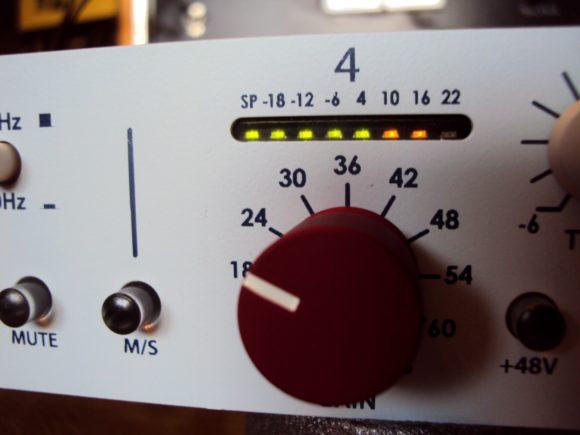 die Pegelanzeige - rot wird es erst ab 22 dbU