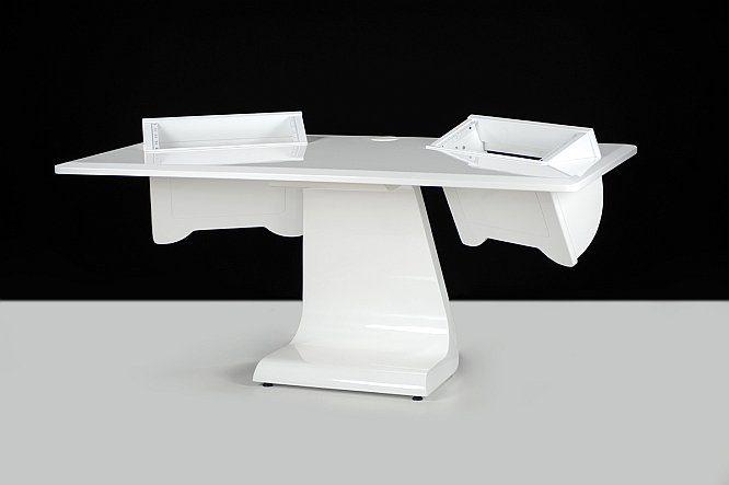test zaor idesk studiom bel. Black Bedroom Furniture Sets. Home Design Ideas
