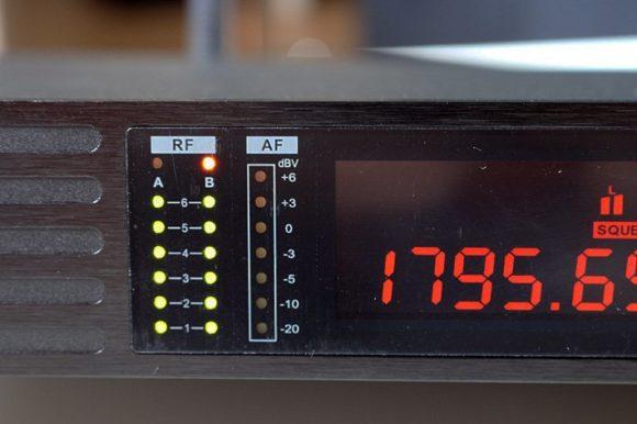 Funkstärke und Audio Signalstärke sind ablesbar
