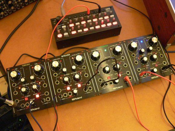 Roland AIRA Modular vs. Korg SQ-1