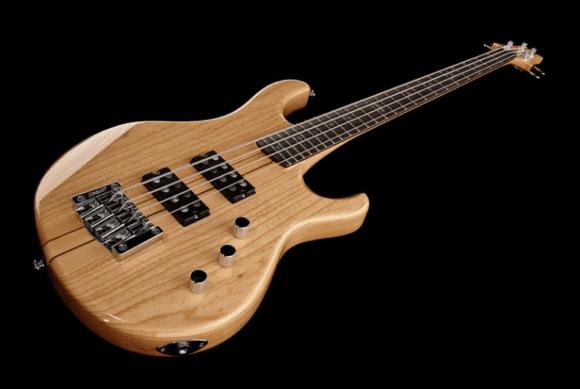 Eigenständiges Konzept: der PRS SE Kingfisher Bass