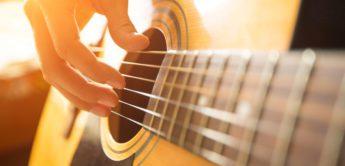 Gitarren Tutorial: Leersaiten spielen, die besten Akkorde
