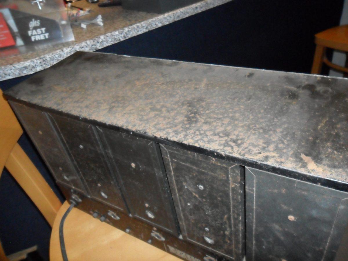Restaurationsauftrag: Ein geschundenes Roland System 100M