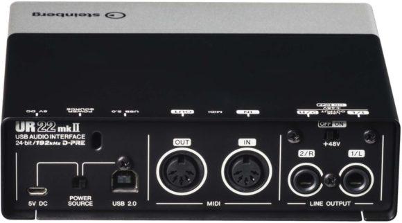 C07-UR22mk2-back
