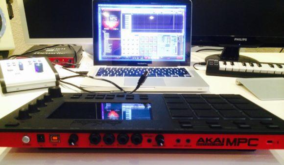 Anschlussvielfalt an der Rückseite. Die MPC Touch bietet ein sehr gutes Audio-Interface.