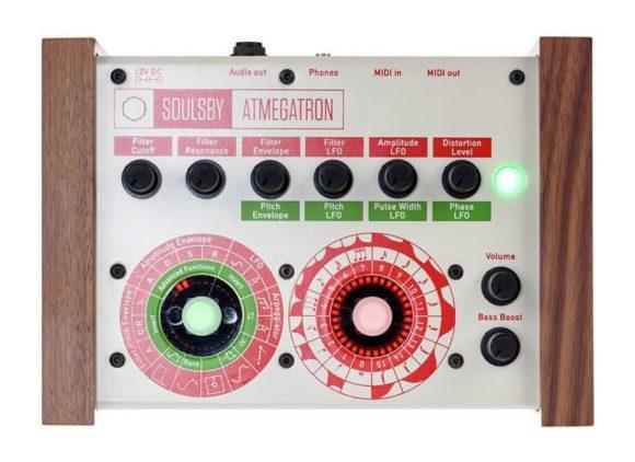 Das Atmegatron hat ein gutes Bedienkonzept: Zwei Encoder - viele Funktionen.
