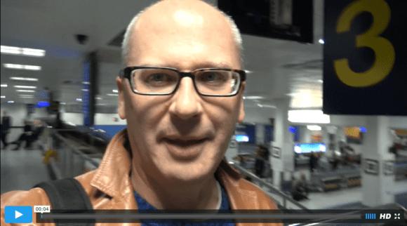Peter am Flughafen in Manchester