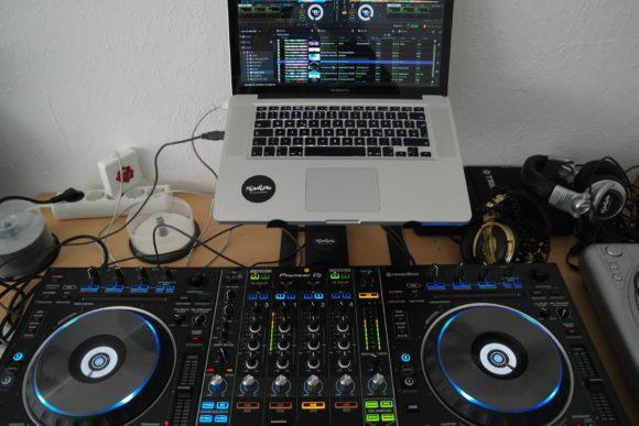 Erst in Verbindung mit Rekordbox DJ offenbart der Controller sein volles Potenzial