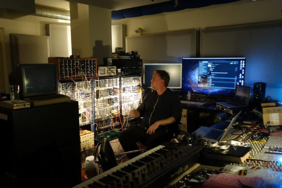 Andi in seinem Studio in Stuttgart