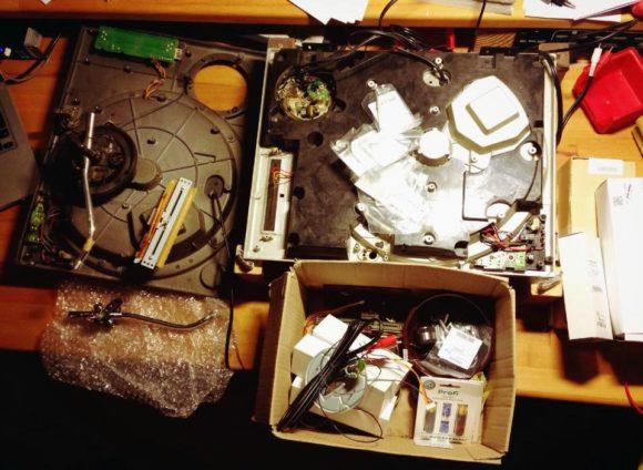 Einmal komplett zerlegen - bei den alten Geräten kein Problem