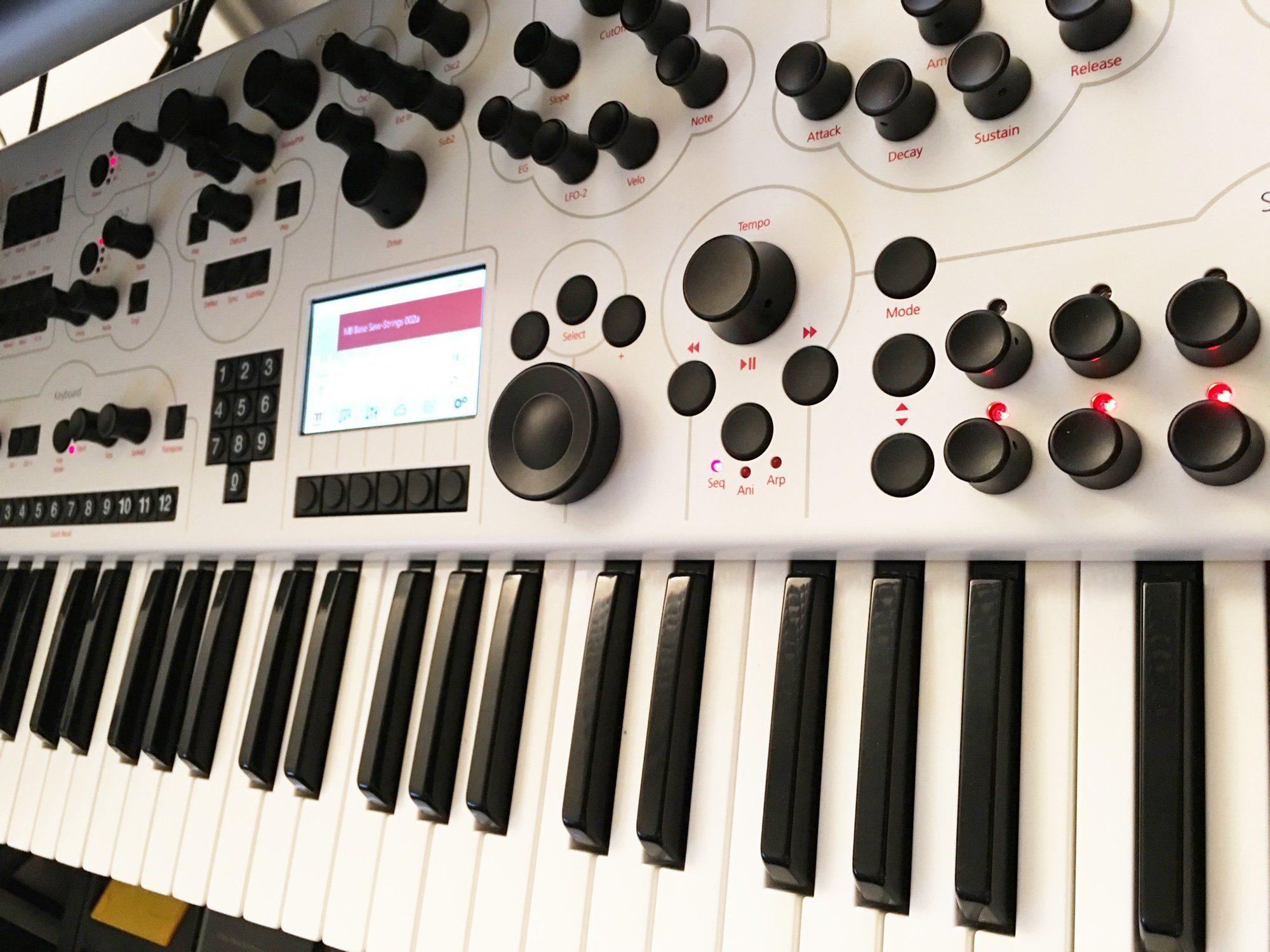 test modal electronics 002 hybrid synthesizer. Black Bedroom Furniture Sets. Home Design Ideas