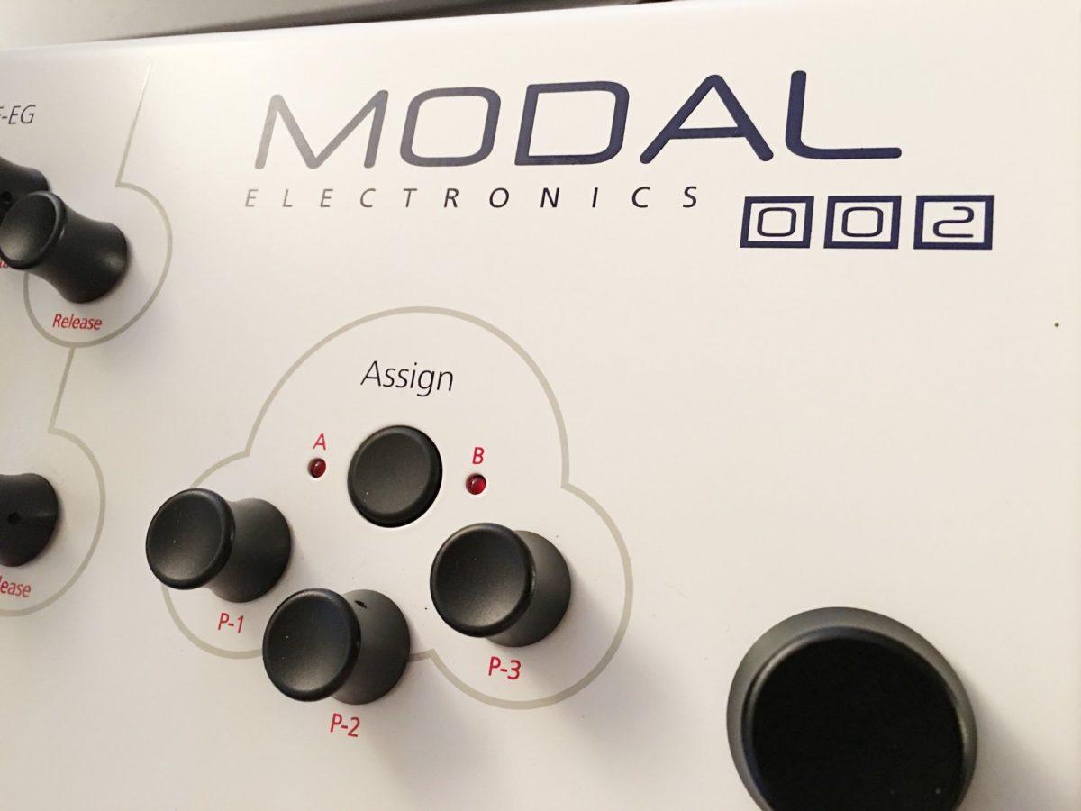 Modal 002 Logo