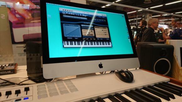 Pianoteq 5, hier in der Version Stage zusammen mit dem Arturia 88er Keyboard