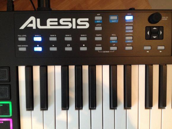 Alesis-VX49-3