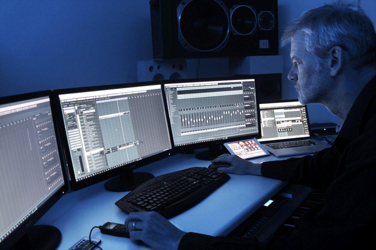 Andreas Stadelmann in seinem reinen VST-Studio