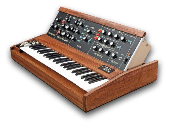Schönes Minimoogbild von www.RLMusic.co.uk