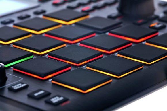 AKAI-MPC-Studio-black2