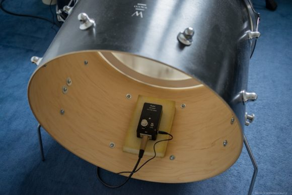 "- Position des Finhol Air Kick in der 20x14"" Test Bassdrum -"