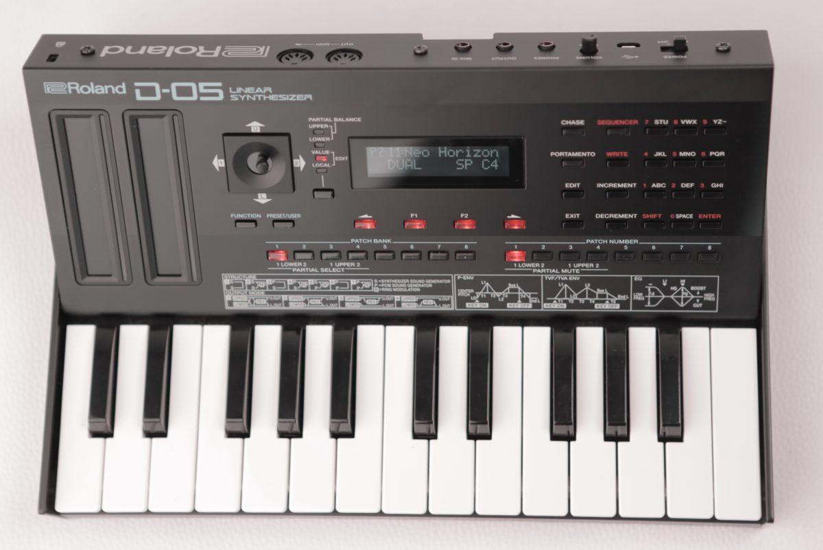 Roland D-05 A