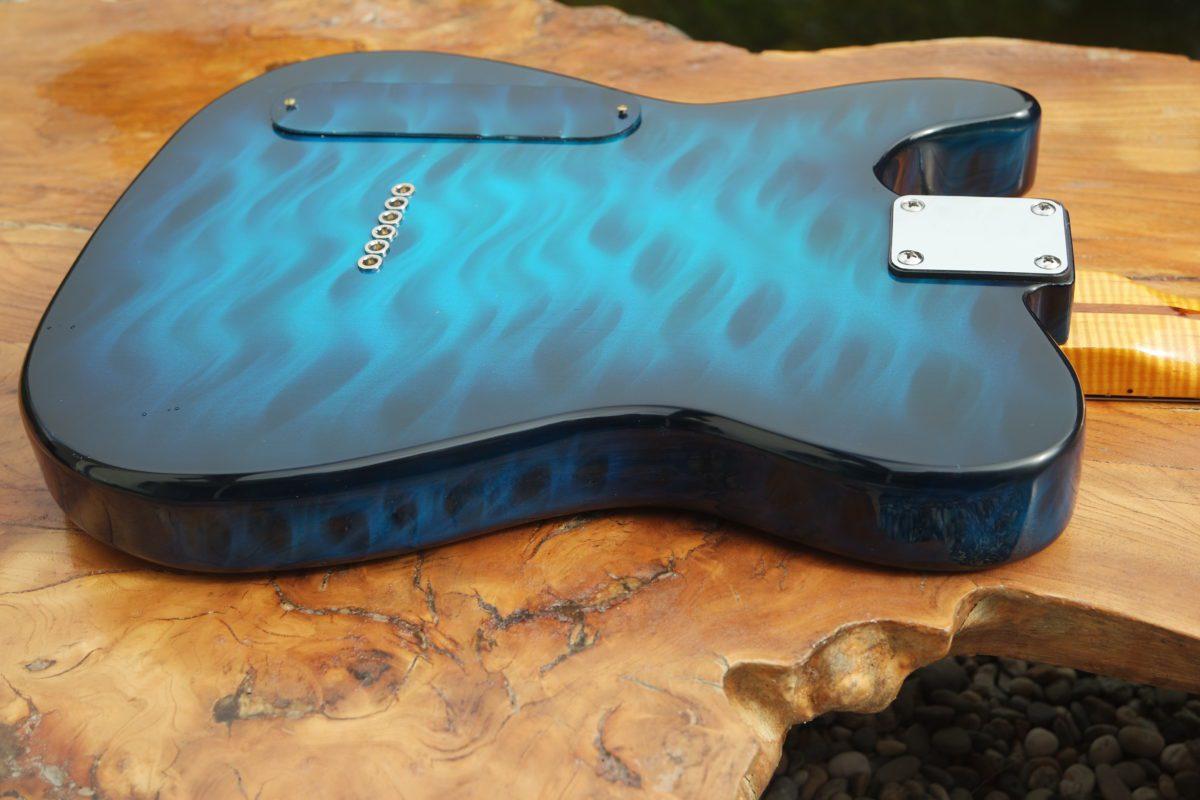 Pearlvibe Guitars Blue Bayou body backside