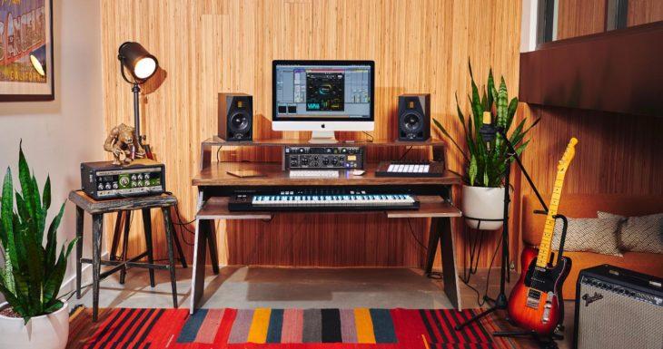 Die besten Studiotische für Home- und Profi Tonstudios