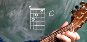 Workshop: Die wichtigsten Gitarrenakkorde für dutzende Hits